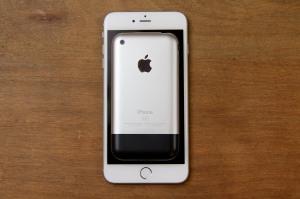 iPhone 2g VS iPhone 6 Plus