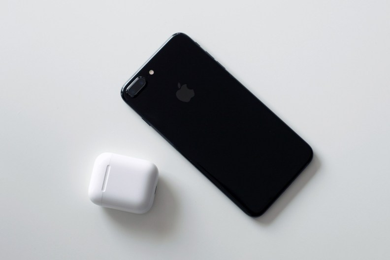 AirPods-11