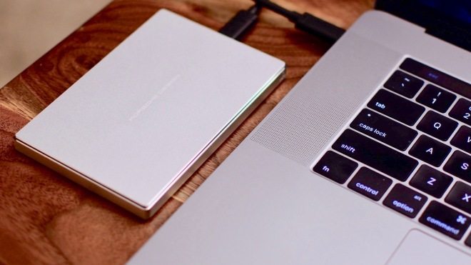 LaCie Porsche Design MacBook Pro 3